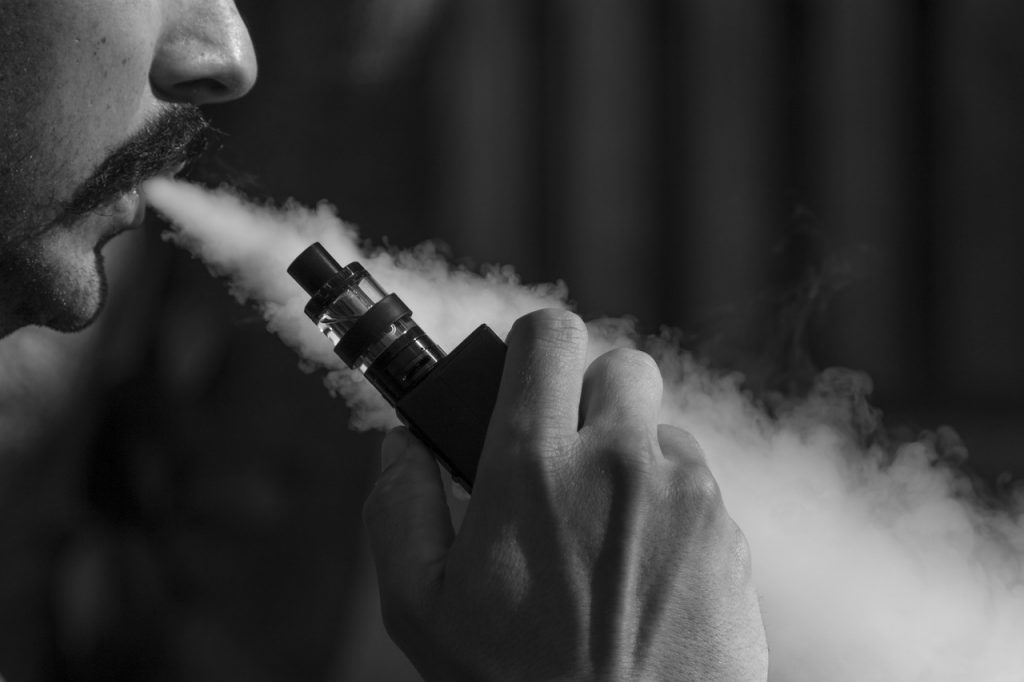 What are the different types of Vapes and E-Cigarettes